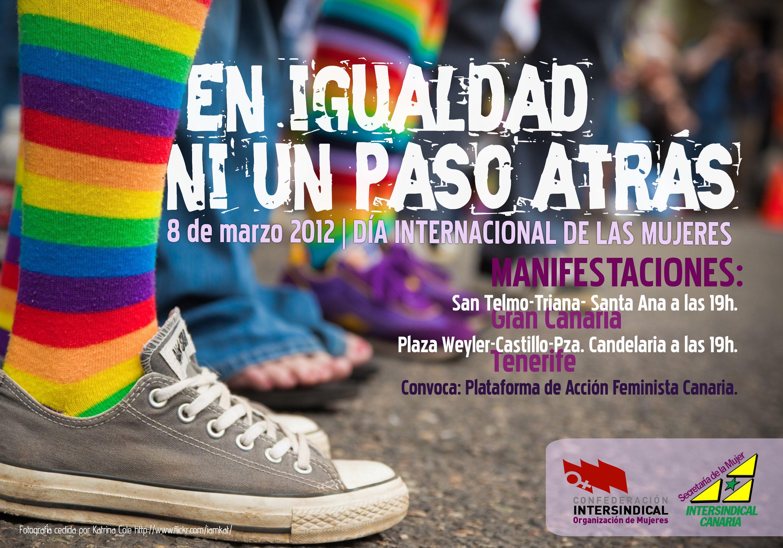 new product 99ec3 fbd42 Manifestación día de la mujer con claras referencias a la bandera gay