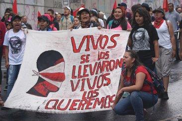Comunicado del STEC-IC sobre el asesinato y desaparici�n forzosa de estudiantes en M�xico