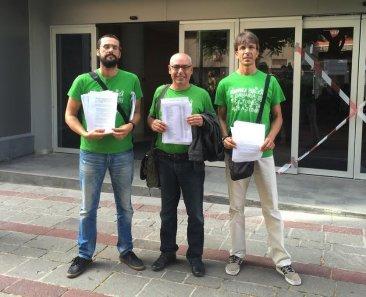 El STEC-IC presenta 5000 firmas exigiendo la reducción de la jornada laboral del profesorado