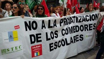 El STEC-IC califica de rotundo éxito la huelga de personal laboral de educación