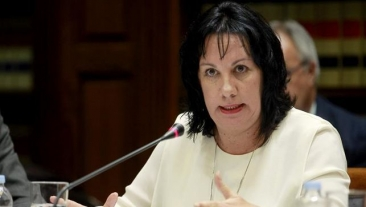 Tras la denuncia del STEC-IC, la Consejera afirma que pagará en breve las nóminas no abonadas