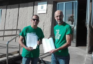 El STEC-IC presenta 10.650 firmas por las 18 horas en Secundaria y la reducción horaria en Infantil y Primaria