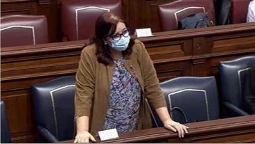 La Consejera de Educación falta a la verdad en relación a las oposiciones en el Parlamento de Canarias